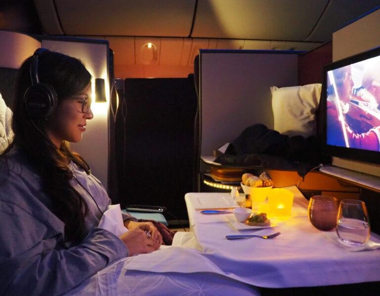 Q suites QR LHR DOH 43 768x598 - REVIEW - Qatar Airways : Q Suites Business Class - B777 - London (LHR) to Doha (DOH)