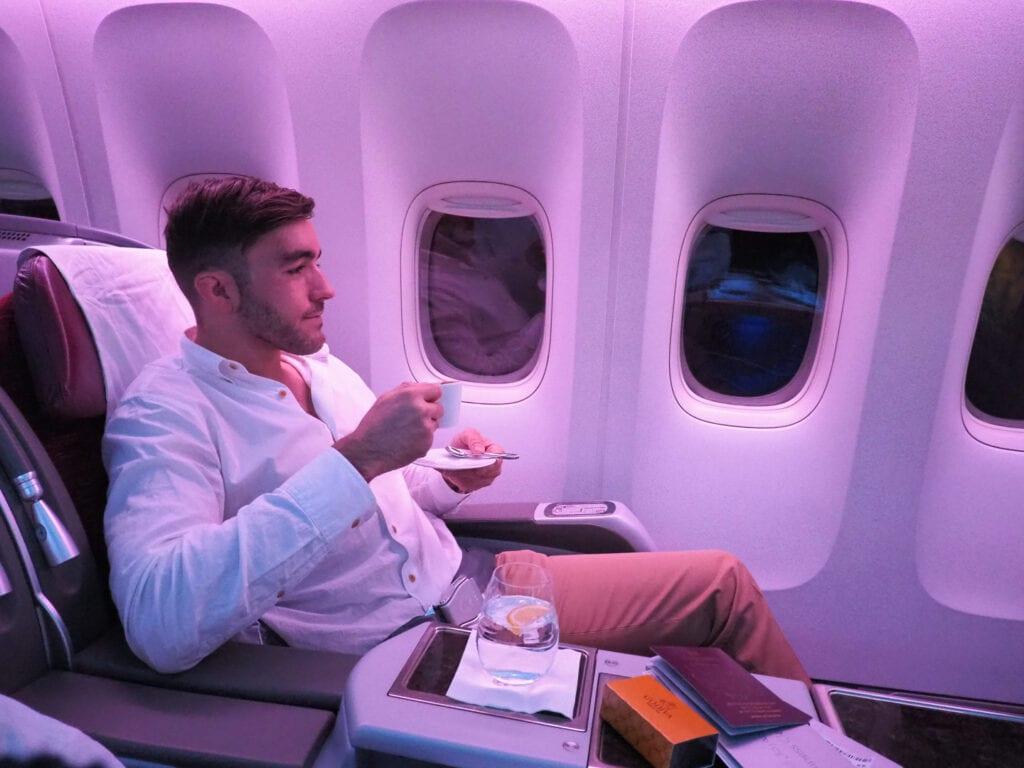 intermission 6 1024x768 - REVIEW - Qatar Airways : Q Suites Business Class - B777 - London (LHR) to Doha (DOH)