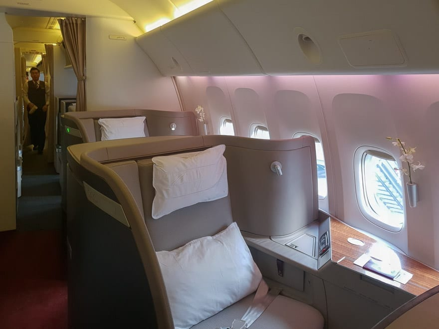 CX F MXP 2 - REVIEW - Cathay Pacific : First Class - B777 - Milan (MXP) to Hong Kong (HKG)
