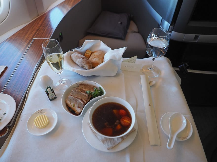 CX F MXP 31 - REVIEW - Cathay Pacific : First Class - B777 - Milan (MXP) to Hong Kong (HKG)