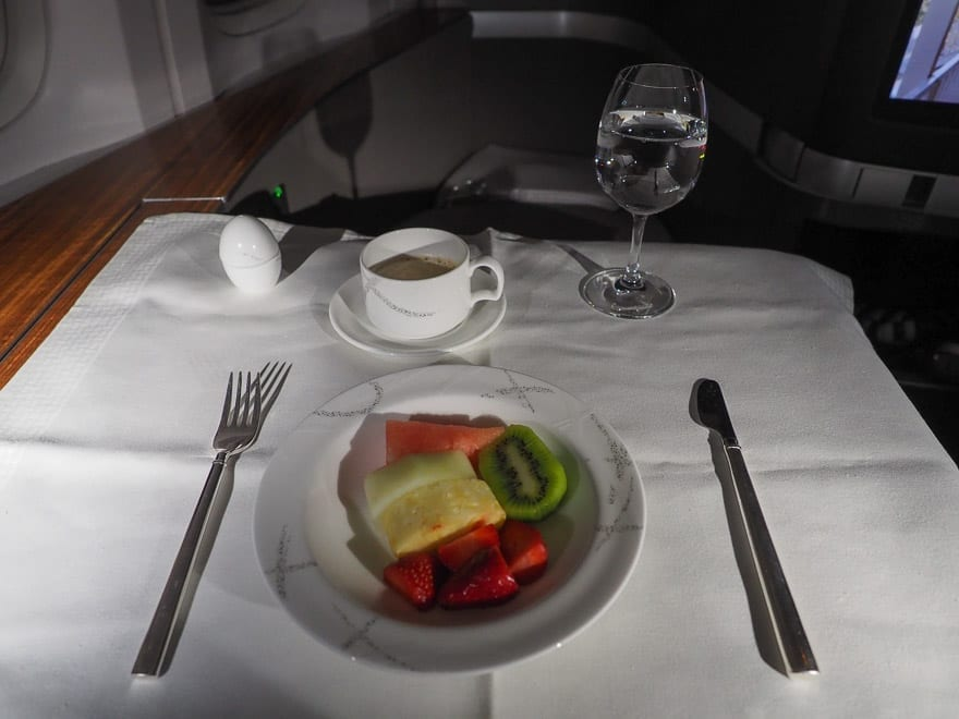 CX F MXP 43 - REVIEW - Cathay Pacific : First Class - B777 - Milan (MXP) to Hong Kong (HKG)