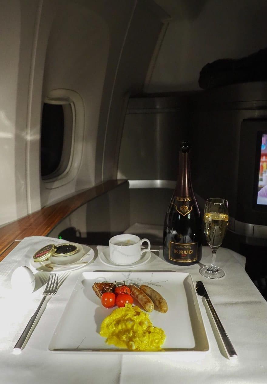 CX F MXP 44 - REVIEW - Cathay Pacific : First Class - B777 - Milan (MXP) to Hong Kong (HKG)