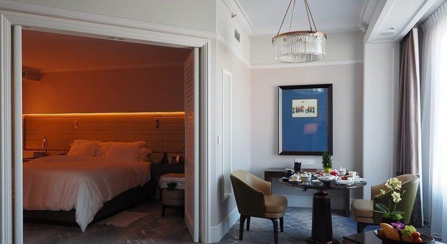 FS Singapore exec suite 49 880x480 - REVIEW - Four Seasons Singapore: Executive Suite