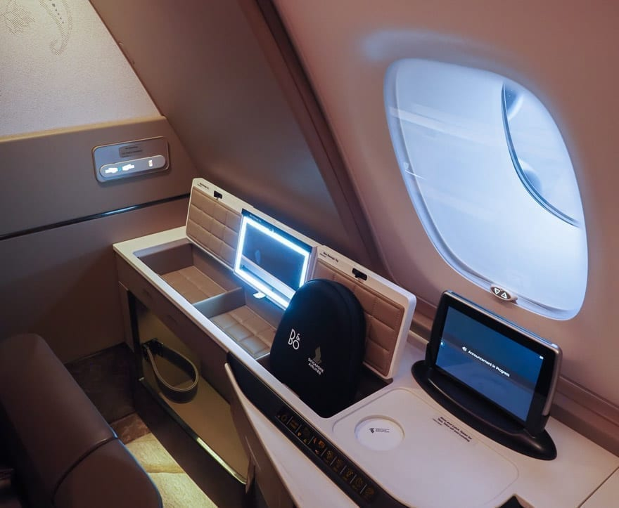 SQ new suites PVG 17 - REVIEW - Singapore Airlines : (NEW) First Class Suites - A380 - Shanghai (PVG) to Singapore (SIN)