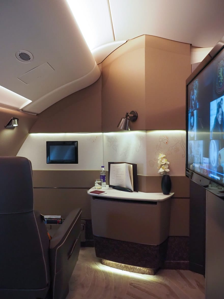 SQ new suites PVG 36 - REVIEW - Singapore Airlines : (NEW) First Class Suites - A380 - Shanghai (PVG) to Singapore (SIN)