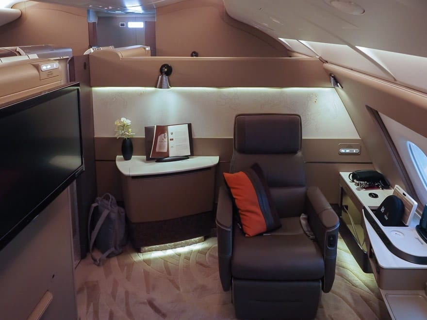 SQ new suites PVG 5 - REVIEW - Singapore Airlines : (NEW) First Class Suites - A380 - Shanghai (PVG) to Singapore (SIN)