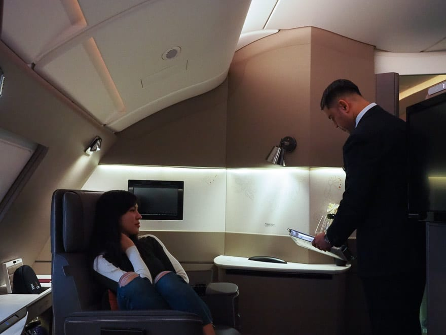 SQ new suites PVG 53 - REVIEW - Singapore Airlines : (NEW) First Class Suites - A380 - Shanghai (PVG) to Singapore (SIN)