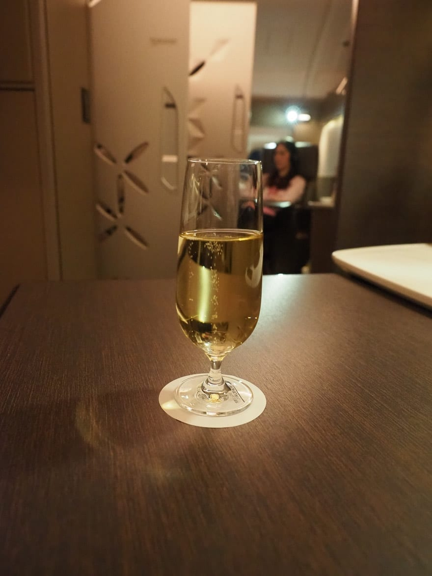 SQ new suites PVG 57 - REVIEW - Singapore Airlines : (NEW) First Class Suites - A380 - Shanghai (PVG) to Singapore (SIN)