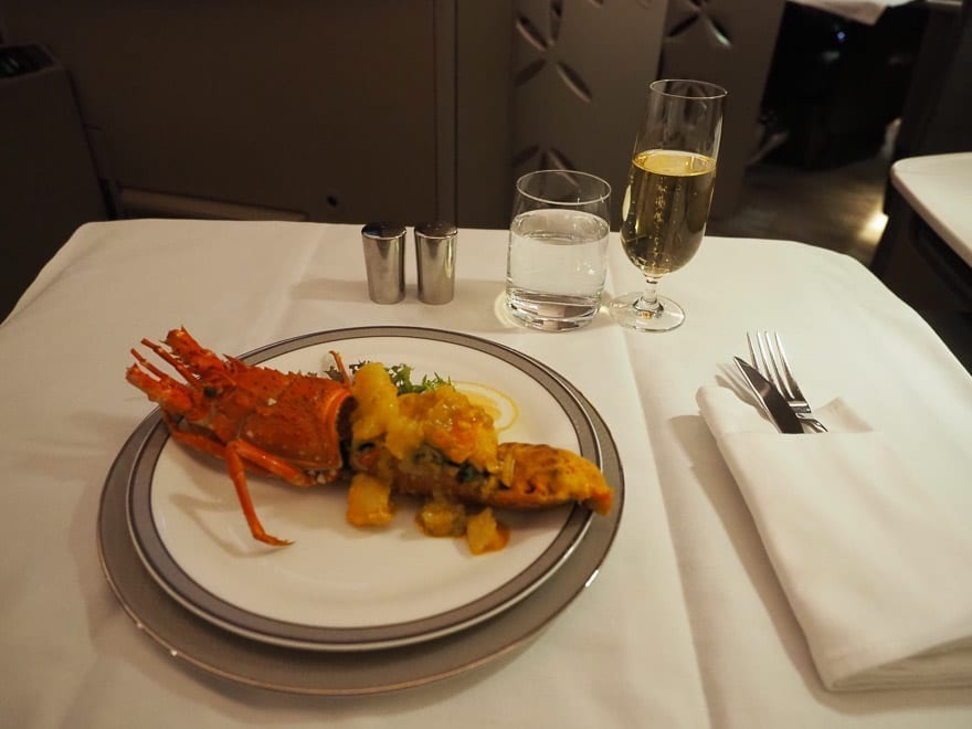 SQ new suites PVG 58 - REVIEW - Singapore Airlines : (NEW) First Class Suites - A380 - Shanghai (PVG) to Singapore (SIN)