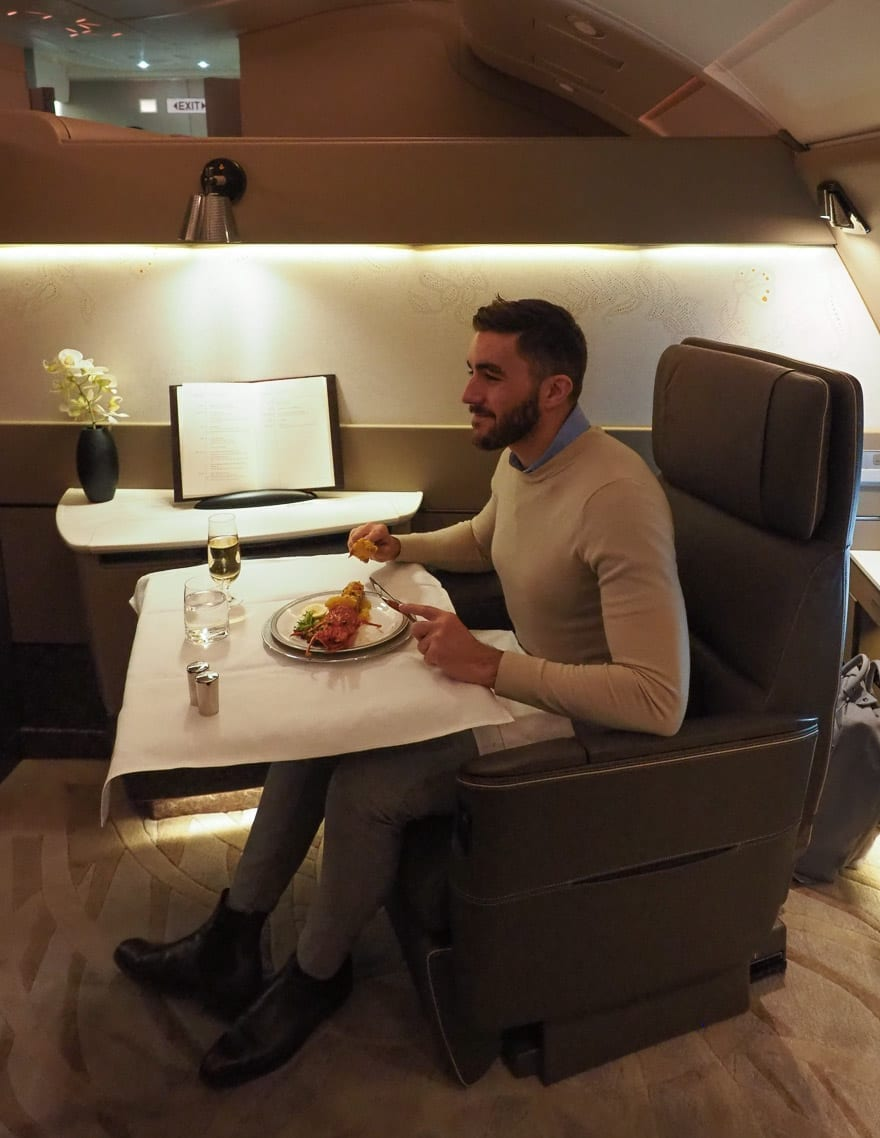 SQ new suites PVG 59 - REVIEW - Singapore Airlines : (NEW) First Class Suites - A380 - Shanghai (PVG) to Singapore (SIN)
