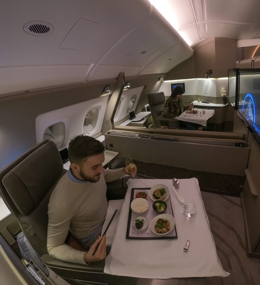 SQ new suites PVG 63 - REVIEW - Singapore Airlines : (NEW) First Class Suites - A380 - Shanghai (PVG) to Singapore (SIN)