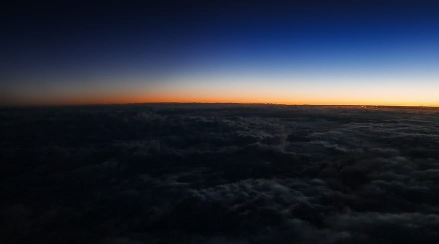 cx f sunrise 1 - REVIEW - Cathay Pacific : First Class - B777 - Milan (MXP) to Hong Kong (HKG)
