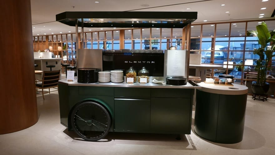 pier J HKG 10 - REVIEW - Cathay Pacific : The Pier Business Class Lounge - Hong Kong HKG