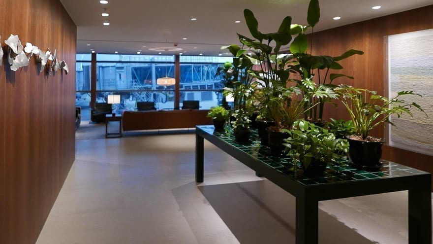 pier J HKG 6 - REVIEW - Cathay Pacific : The Pier Business Class Lounge - Hong Kong HKG