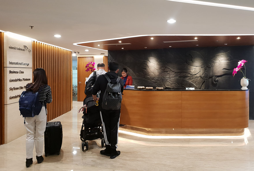 GA J lounge CGK 1 - REVIEW - Garuda Indonesia : Business Class Lounge - Jakarta (CGK-T3)