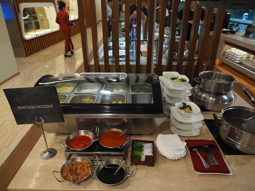 GA J lounge CGK 20 - REVIEW - Garuda Indonesia : Business Class Lounge - Jakarta (CGK-T3)