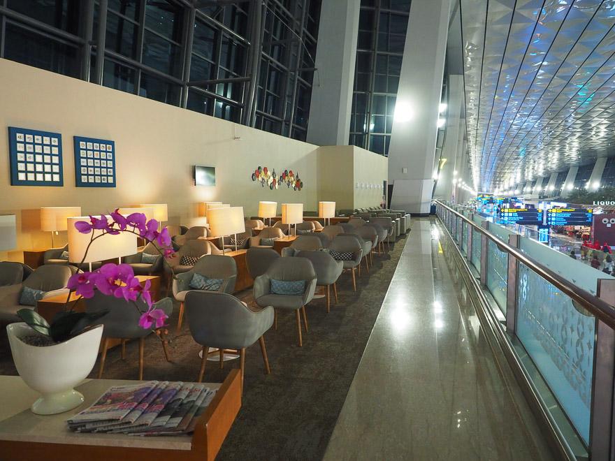 GA J lounge CGK 30 - REVIEW - Garuda Indonesia : Business Class Lounge - Jakarta (CGK-T3)
