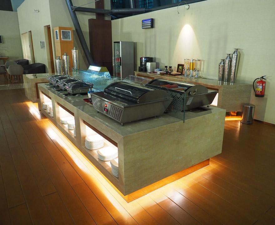 GA J lounge CGK 32 - REVIEW - Garuda Indonesia : Business Class Lounge - Jakarta (CGK-T3)