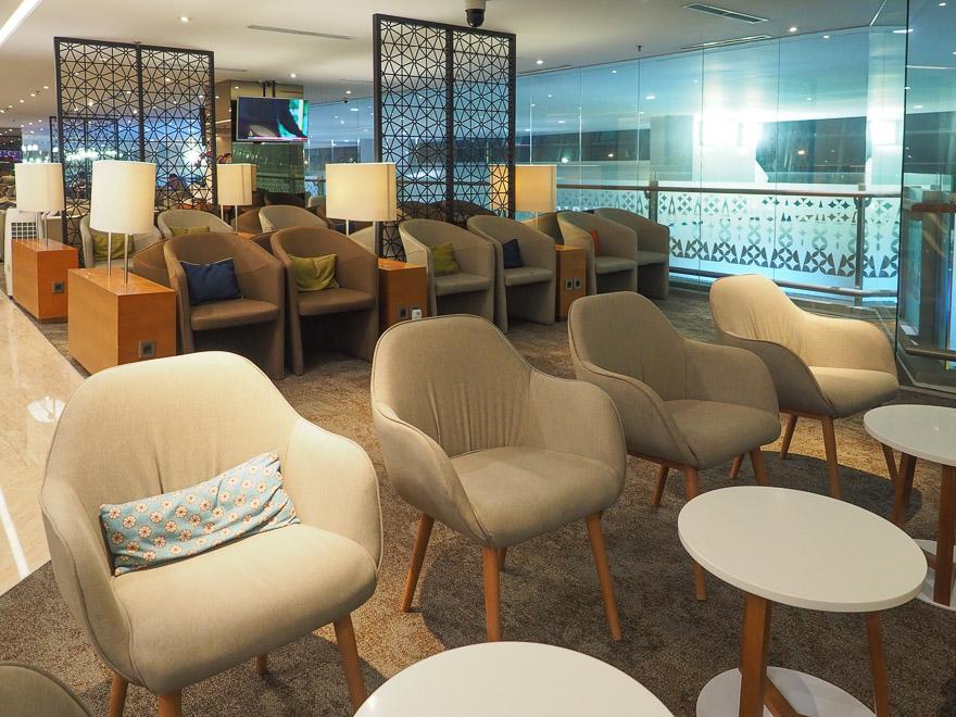 GA J lounge CGK 5 - REVIEW - Garuda Indonesia : Business Class Lounge - Jakarta (CGK-T3)