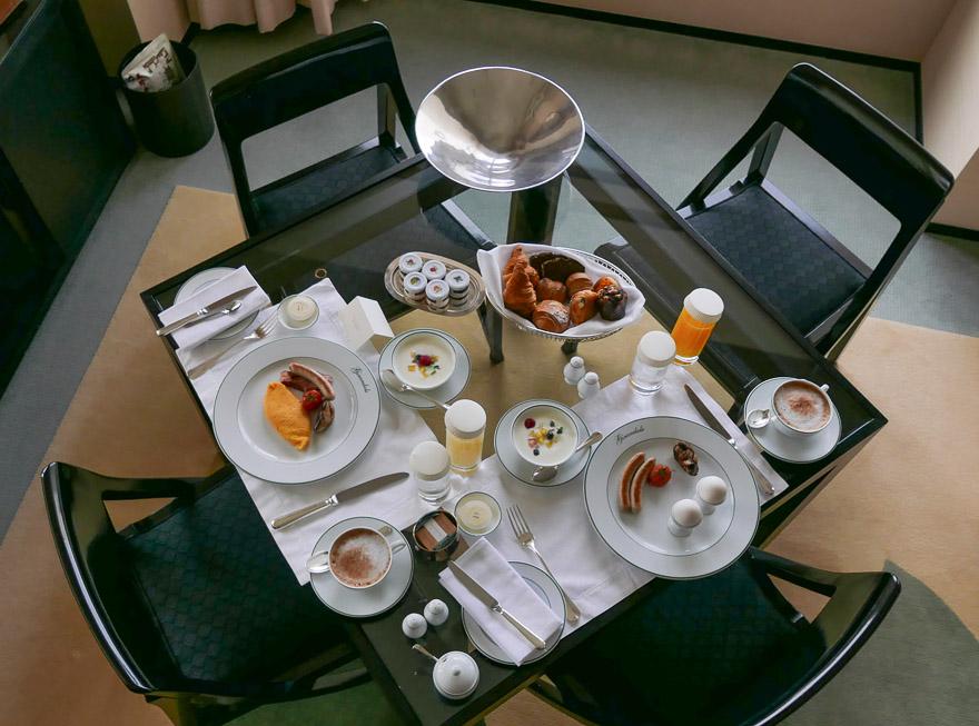 PH Tokyo suite 78 - REVIEW - Park Hyatt Tokyo : Park Suite (NYE Stay)