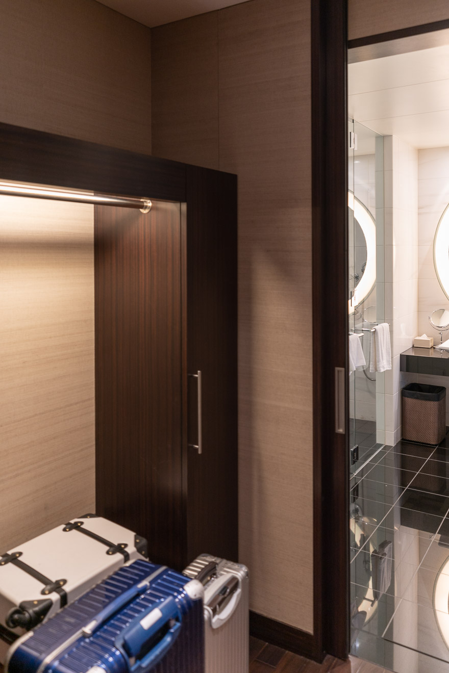 conrad twin suite bay view 6 - REVIEW - Conrad Tokyo : Two Bayview Suites & A Corner Bayview Suite