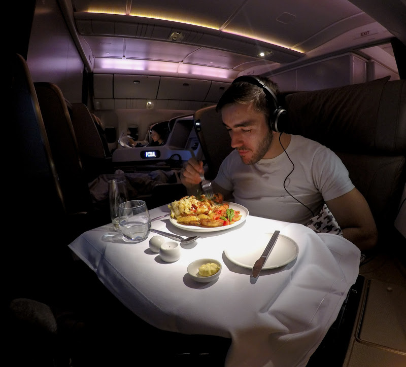 sq j lobster - REVIEW - Singapore Airlines : Business Class - London to Singapore (B77WN)