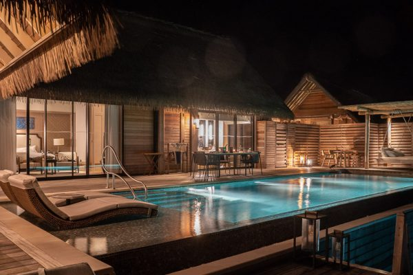 waldorf room night 1 600x400 - Hotels by location