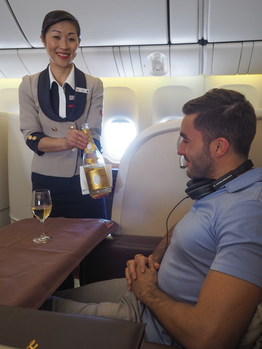 JL F Cristal etro de 2018 32 - REVIEW - JAL : First Class - B777 - Tokyo (HND) to London (LHR)
