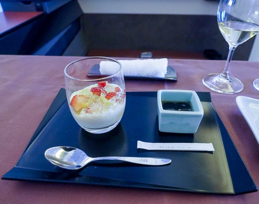JL F Cristal etro de 2018 50 e1595849993484 - REVIEW - JAL : First Class - B777 - Tokyo (HND) to London (LHR)