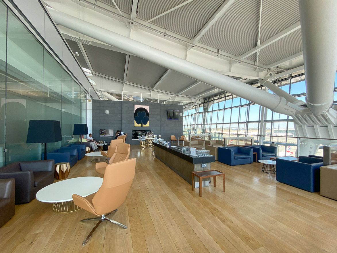 CCT 5 - REVIEW - British Airways : Galleries First Class Lounge and Concorde Terrace - London (LHR-T5) - [COVID-era]