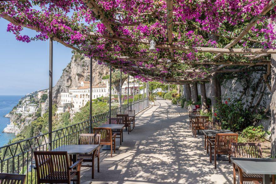 NH convento amalfi 53 880x587 - REVIEW - NH Collection Grand Hotel Convento di Amalfi : Junior Suite with Tatami bed [COVID-era]