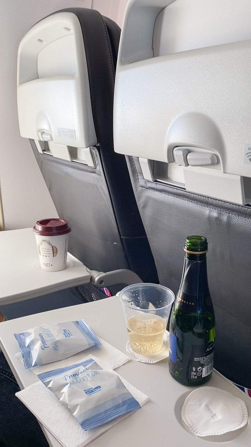 covid Club Europe A321 10 - REVIEW - British Airways : Club Europe Business Class - A319 - London (LHR) to Rome (FCO) - [COVID-era]
