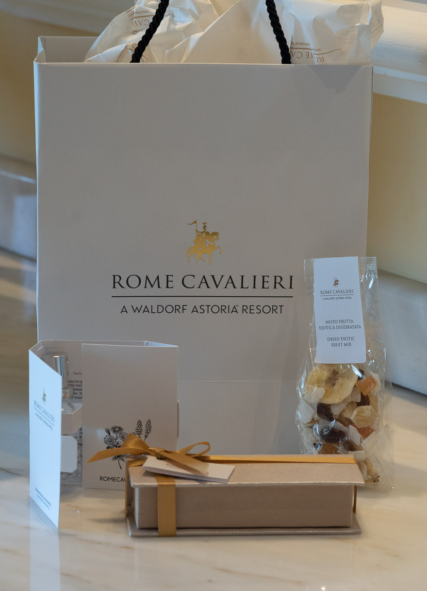 waldorf cavalieri 19 - REVIEW - Rome Cavalieri a Waldorf Astoria Hotel : Premium Rome View Room [COVID-era]