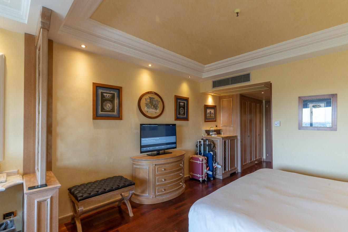 waldorf cavalieri 32 - REVIEW - Rome Cavalieri a Waldorf Astoria Hotel : Premium Rome View Room [COVID-era]