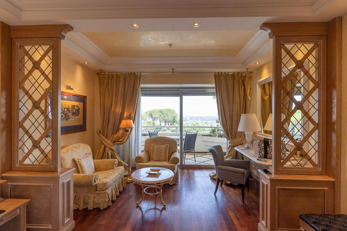 waldorf cavalieri 35 - REVIEW - Rome Cavalieri a Waldorf Astoria Hotel : Premium Rome View Room [COVID-era]