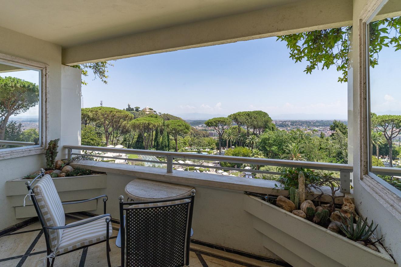 waldorf cavalieri 40 - REVIEW - Rome Cavalieri a Waldorf Astoria Hotel : Premium Rome View Room [COVID-era]