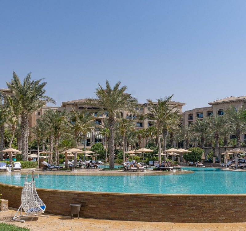 pool FS jumeirah 1 800x750 - GUIDE - Visiting Dubai during COVID