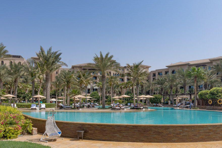 pool FS jumeirah 1 880x587 - GUIDE - Visiting Dubai during COVID
