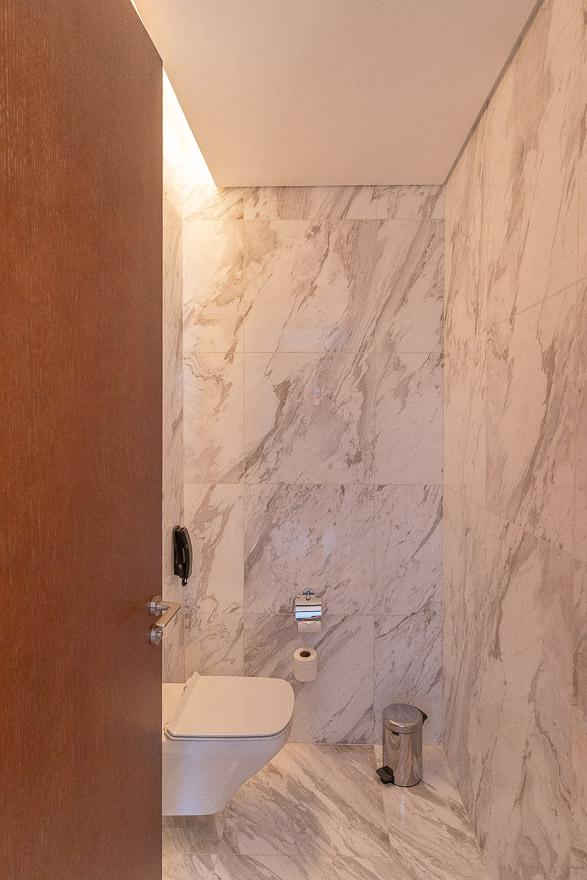 waldorf DIFC 10 - REVIEW - Waldorf Astoria Dubai DIFC : King Corner Suite [COVID-era]