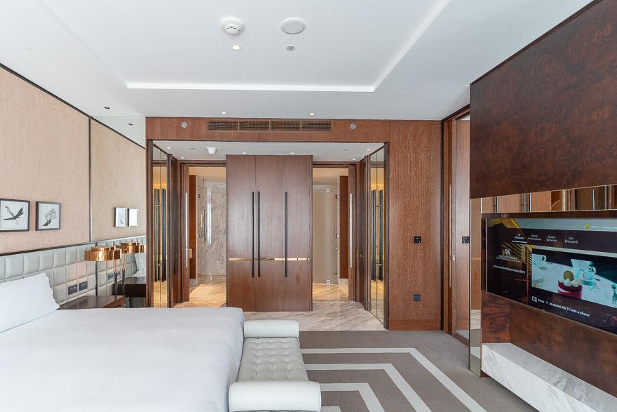 waldorf DIFC 28 - REVIEW - Waldorf Astoria Dubai DIFC : King Corner Suite [COVID-era]