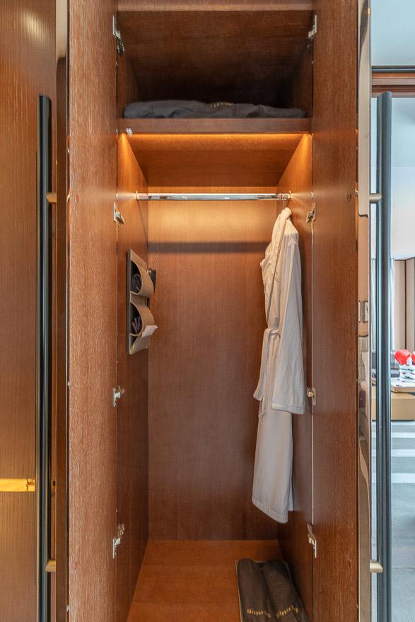 waldorf DIFC 35 - REVIEW - Waldorf Astoria Dubai DIFC : King Corner Suite [COVID-era]