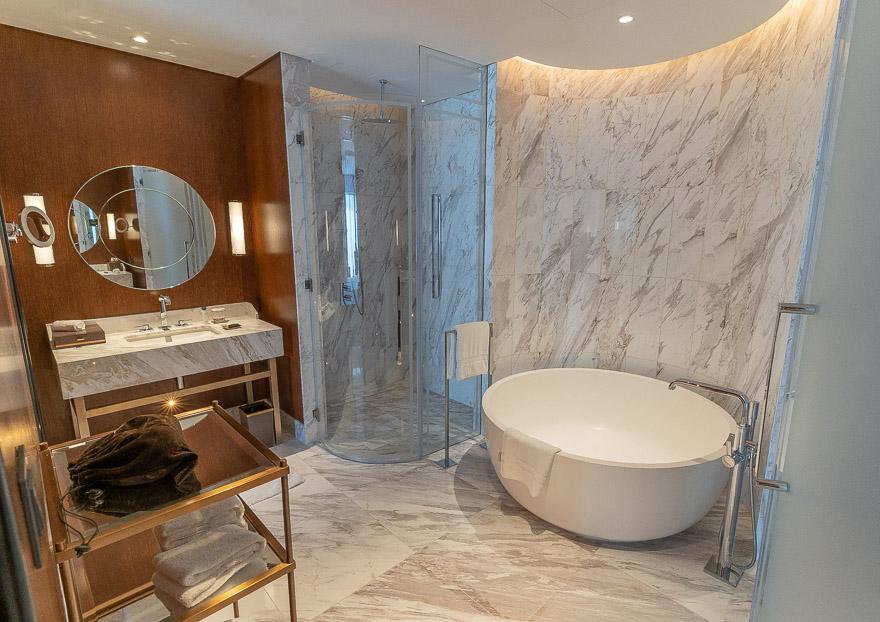 waldorf DIFC 37 - REVIEW - Waldorf Astoria Dubai DIFC : King Corner Suite [COVID-era]