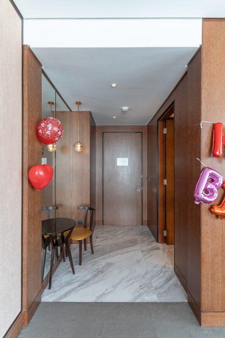waldorf DIFC 6 450x675 - REVIEW - Waldorf Astoria Dubai DIFC : King Corner Suite [COVID-era]