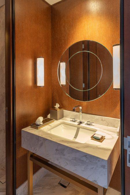 waldorf DIFC 9 450x675 - REVIEW - Waldorf Astoria Dubai DIFC : King Corner Suite [COVID-era]