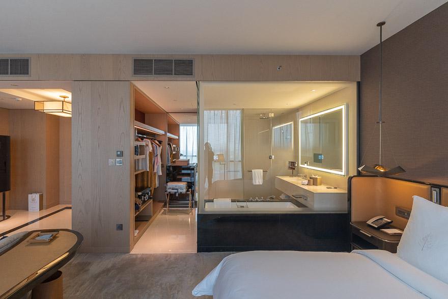 FS DIFC 42 - REVIEW - Four Seasons Dubai DIFC : Four Seasons Room & Studio Suite [COVID-era]