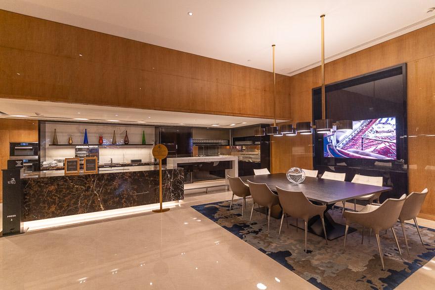 FS DIFC 94 - REVIEW - Four Seasons Dubai DIFC : Four Seasons Room & Studio Suite [COVID-era]
