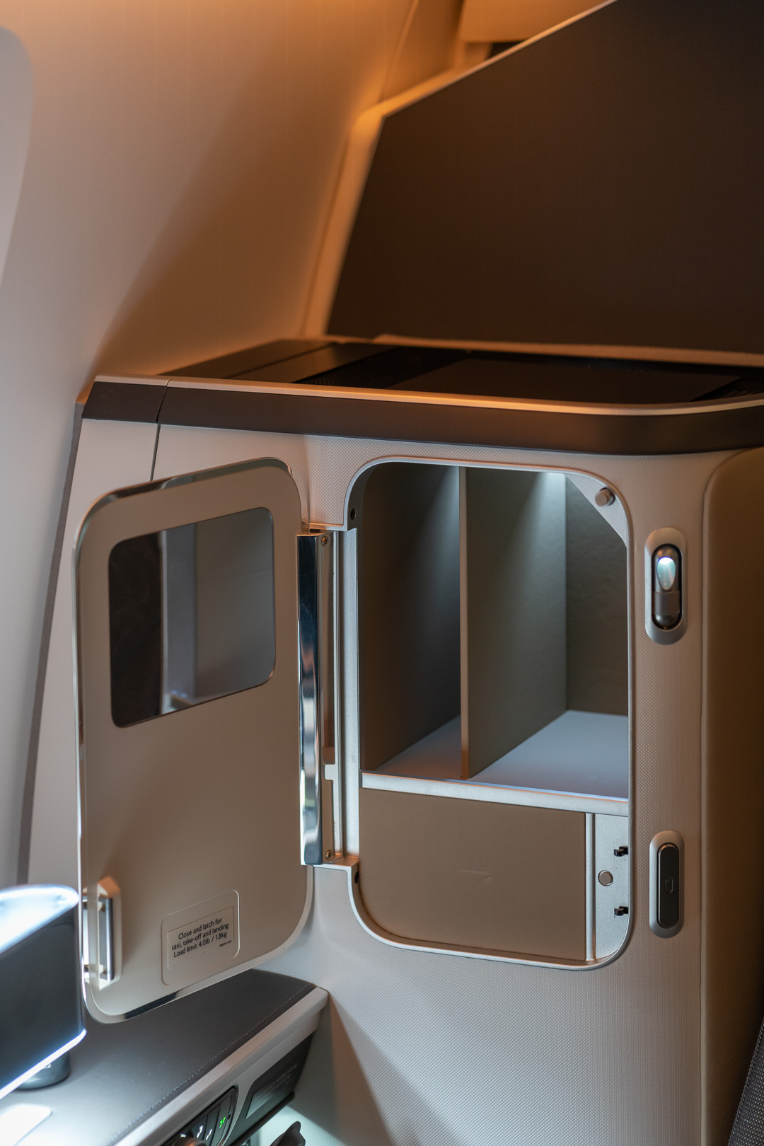 BA 77WN F 10 - REVIEW - British Airways : First Class Suites - B777 - London (LHR) to Malé (MLE) - [COVID-era]