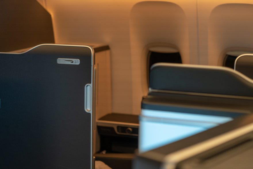 BA 77WN F 3 880x587 - REVIEW - British Airways : First Class Suites - B777 - London (LHR) to Malé (MLE) - [COVID-era]