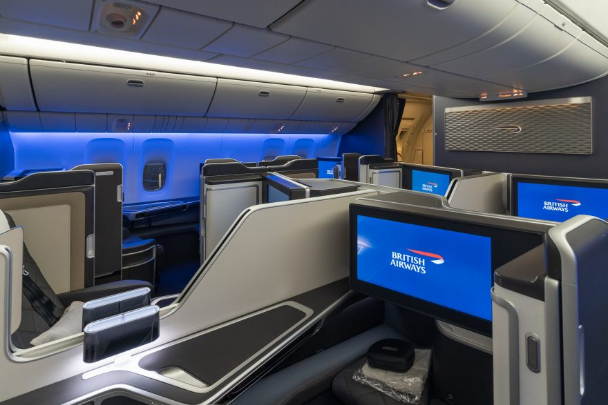 BA 77WN F 4 880x587 - REVIEW - British Airways : First Class Suites - B777 - London (LHR) to Malé (MLE) - [COVID-era]