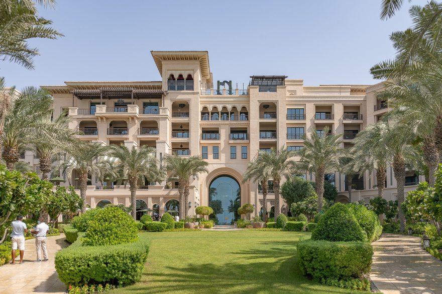 FS Jumeirah 18 880x587 - Detailed luxury hotel reviews